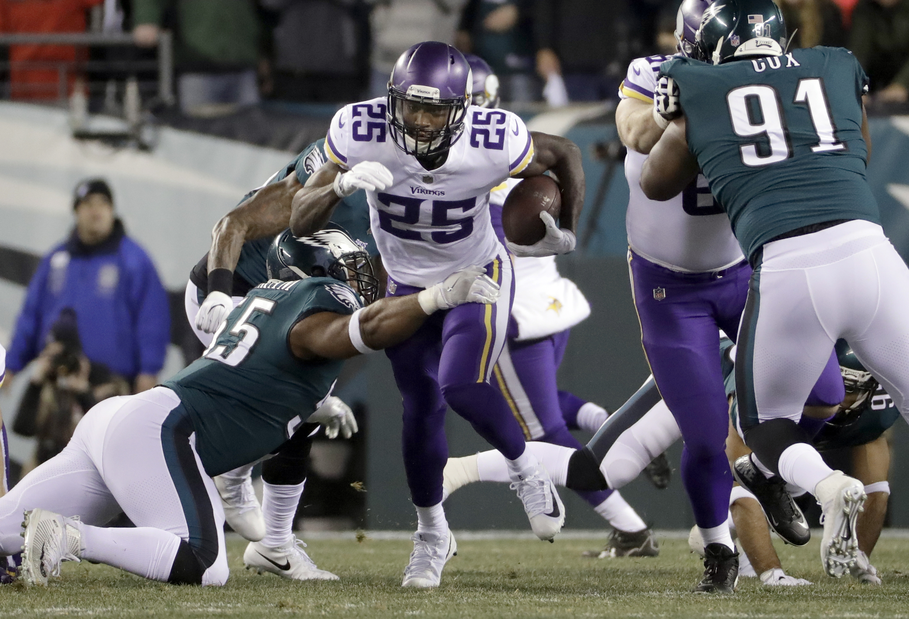 <div class='meta'><div class='origin-logo' data-origin='AP'></div><span class='caption-text' data-credit='APAP Photo/Matt Slocum'>Minnesota Vikings' Latavius Murray runs during the first half of the NFL football NFC championship game against the Philadelphia Eagles Sunday, Jan. 21, 2018, in Philadelphia.</span></div>