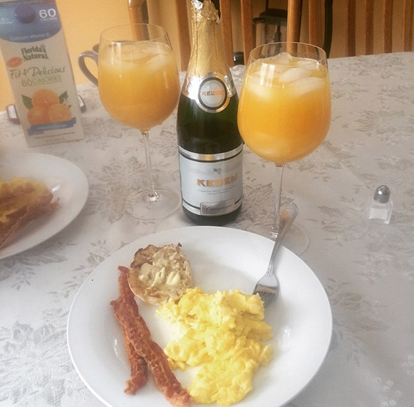 "<div class=""meta image-caption""><div class=""origin-logo origin-image none""><span>none</span></div><span class=""caption-text"">This is how you do breakfast in a blizzard! #mimosas #abc7ny (tamtam3687/Instagram)</span></div>"