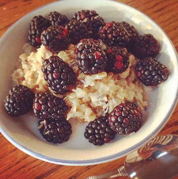 "<div class=""meta image-caption""><div class=""origin-logo origin-image none""><span>none</span></div><span class=""caption-text"">Lavender-honey oatmeal with blackberries #lavender #honey #oatmeal #blackberries #breakfast #snowy #snow #snowday #blizzardfood #juno (maelstrom54/Instagram)</span></div>"