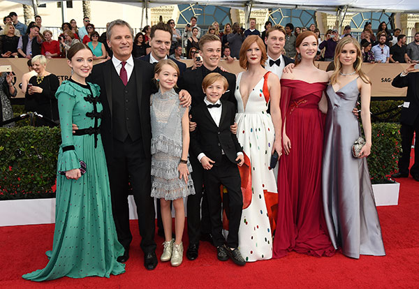 "<div class=""meta image-caption""><div class=""origin-logo origin-image none""><span>none</span></div><span class=""caption-text"">The cast of ""Captain Fantastic,"" (including Oscar-nominated Viggo Mortensen, second-from-left) arrive at the Shrine Auditorium & Expo Hall on Sunday, Jan. 29, 2017, in Los Angeles. (Jordan Strauss/Invision/AP)</span></div>"