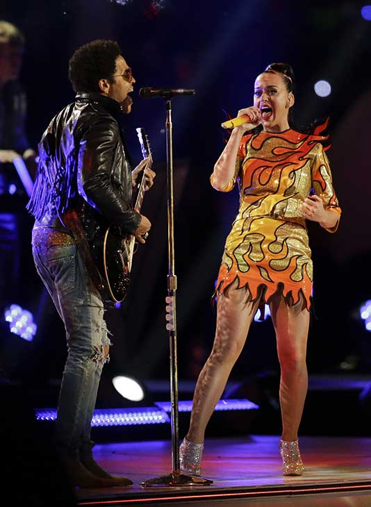 """<div class=""""meta image-caption""""><div class=""""origin-logo origin-image ap""""><span>AP</span></div><span class=""""caption-text"""">Lenny Kravitz, left, performs with Katy Perry during halftime of the NFL Super Bowl XLIX football game.</span></div>"""