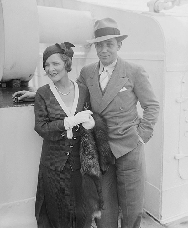 <div class='meta'><div class='origin-logo' data-origin='AP'></div><span class='caption-text' data-credit=''>Helen Hayes, screen and stage actress and her husband, Charles McArthur, the playwright, are photographed on board the S.S. Paris in New York.</span></div>