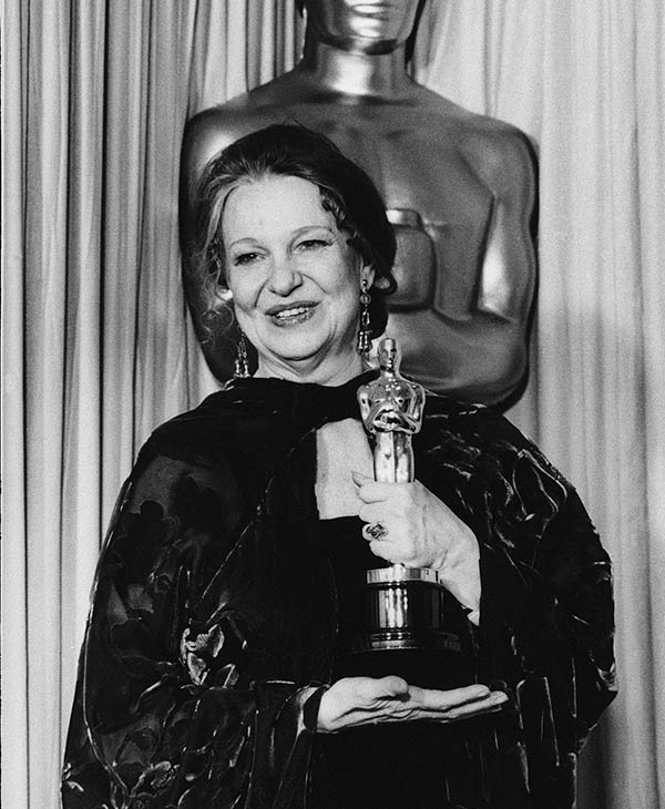 <div class='meta'><div class='origin-logo' data-origin='AP'></div><span class='caption-text' data-credit=''>Best Actress, Geraldine Page holds theOscar she received for best actress for her role in &#34;The Trip to Bountiful,&#34; at the Academy Awards in Los Angeles March 24, 1986.</span></div>