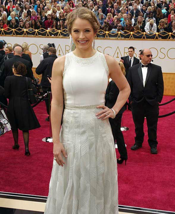 "<div class=""meta image-caption""><div class=""origin-logo origin-image none""><span>none</span></div><span class=""caption-text"">ABC Correspondent Sarah Haines arrives on the red carpet for the 2015 Oscars. (Good Morning America/Twitter)</span></div>"
