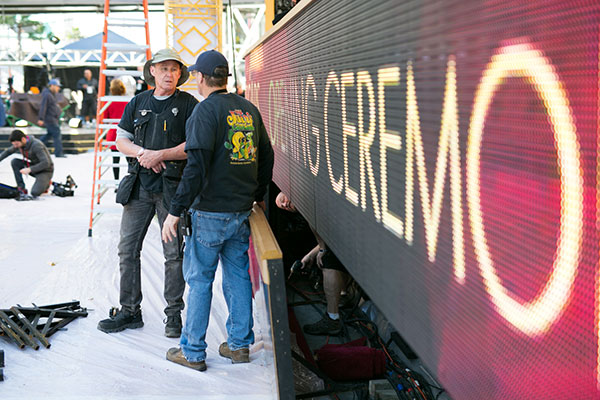 "<div class=""meta image-caption""><div class=""origin-logo origin-image none""><span>none</span></div><span class=""caption-text"">Crews prepare the red carpet on Friday, Feb. 24 ahead of the Oscars on Sunday.</span></div>"