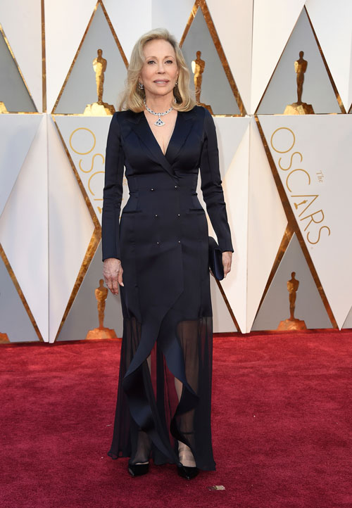 "<div class=""meta image-caption""><div class=""origin-logo origin-image ap""><span>AP</span></div><span class=""caption-text"">Faye Dunaway arrives at the Oscars on Sunday, Feb. 26, 2017, at the Dolby Theatre in Los Angeles. (Photo by Jordan Strauss/Invision/AP)</span></div>"