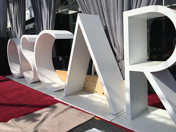 <div class='meta'><div class='origin-logo' data-origin='none'></div><span class='caption-text' data-credit=''>The red carpet and the Dolby Theatre get prepped for Oscar Sunday.</span></div>