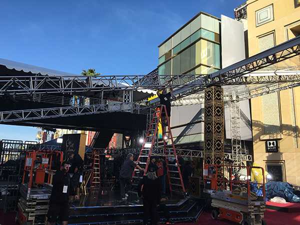 <div class='meta'><div class='origin-logo' data-origin='Creative Content'></div><span class='caption-text' data-credit=''>The red carpet and the Dolby Theatre get prepped for Oscar Sunday.</span></div>