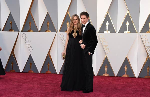 <div class='meta'><div class='origin-logo' data-origin='AP'></div><span class='caption-text' data-credit='Dan Steinberg/Invision/AP'>Eddie Redmayne and his wife Hannah Bagshawe arrive at the Oscars on Sunday, Feb. 28, 2016, at the Dolby Theatre in Los Angeles.</span></div>
