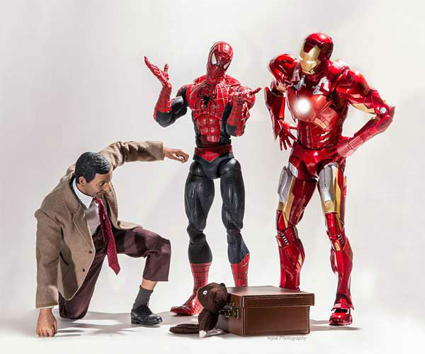 Best Super Hero Toys And Action Figures : Photographer creates hilarious scenarios for tiny