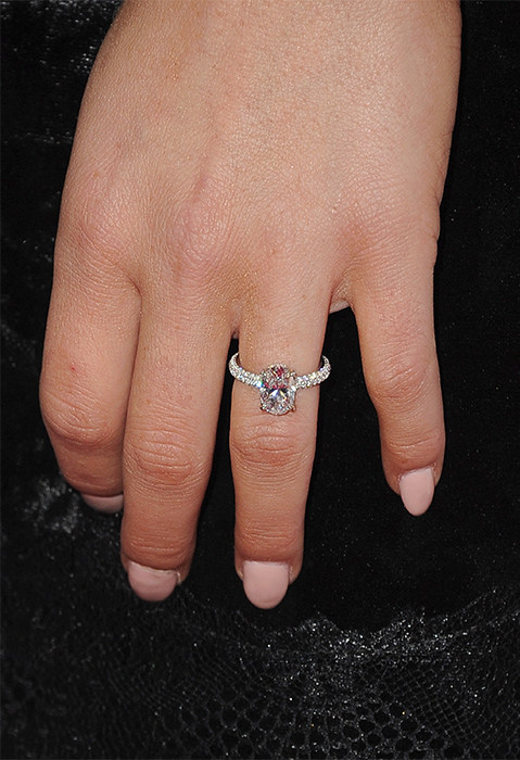 According To Us Weekly The Neil Lane Bling Picked Out By Rodgers Features An Oval Cut Center Stone And Pave Diamonds Along Band