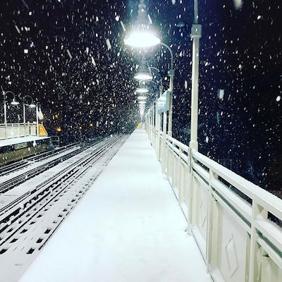 "<div class=""meta image-caption""><div class=""origin-logo origin-image kgo""><span>kgo</span></div><span class=""caption-text"">Instagram user @joe_claytone captured the snowfall in Chicago early in the morning. (Instagram/@joe_claytone)</span></div>"