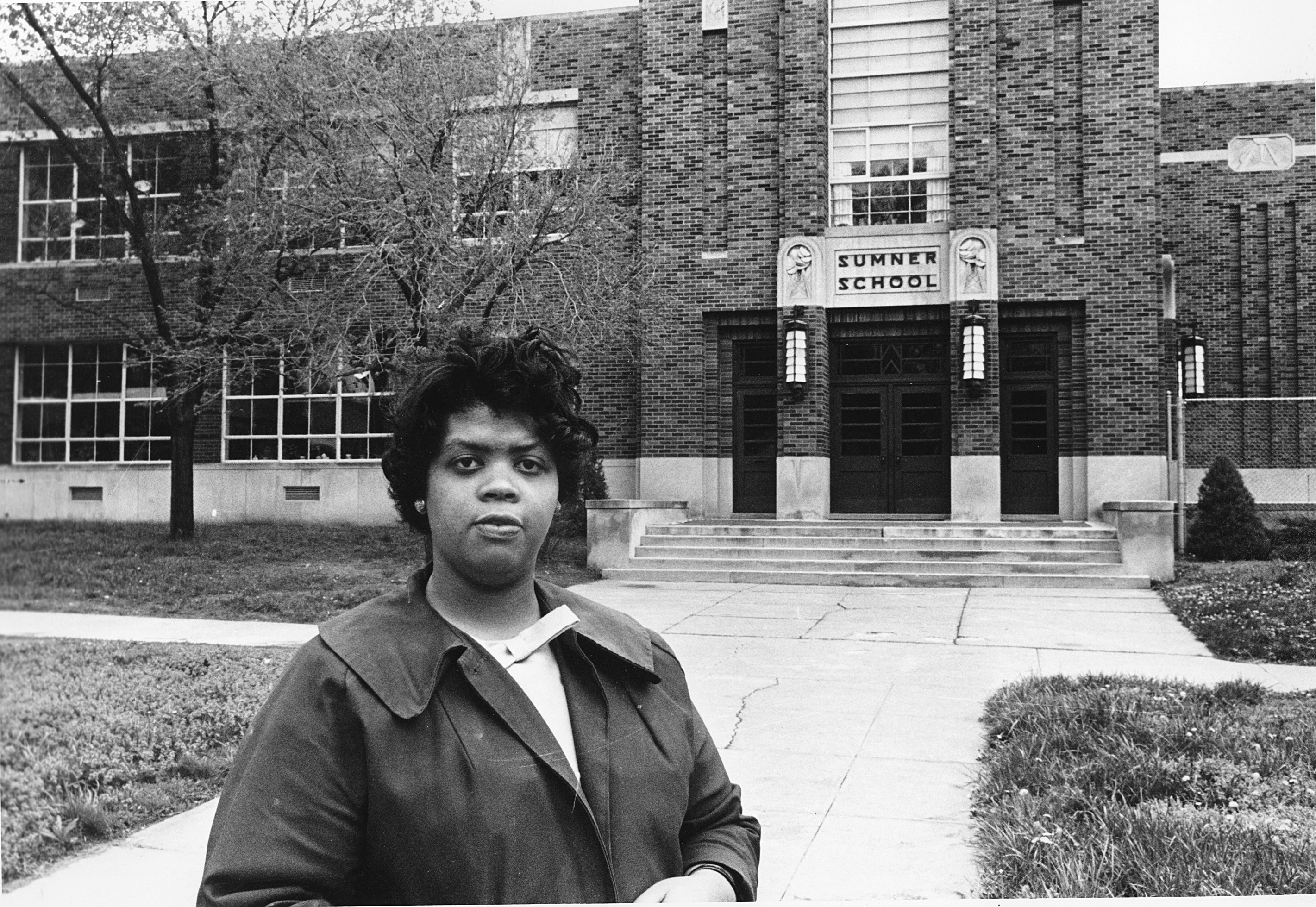 <div class='meta'><div class='origin-logo' data-origin='none'></div><span class='caption-text' data-credit='AP'>Linda Brown Smith, who as a young girl was at the center of the Brown v. Board of Education of Topeka, Kansas court case, has died. She was 76.</span></div>