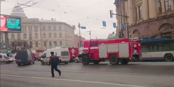 <div class='meta'><div class='origin-logo' data-origin='none'></div><span class='caption-text' data-credit='Viktoriya.Viktorovna9127/Instagram'>A screenshot from an Instagram video shows the scene in St. Petersburg.</span></div>