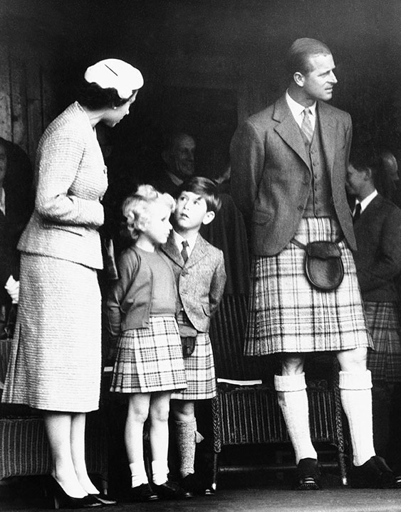 "<div class=""meta image-caption""><div class=""origin-logo origin-image none""><span>none</span></div><span class=""caption-text"">Queen Elizabeth II and Prince Philip appear in Scotland with their children Prince Charles and Princess Anne in 1955. (AP Photo)</span></div>"