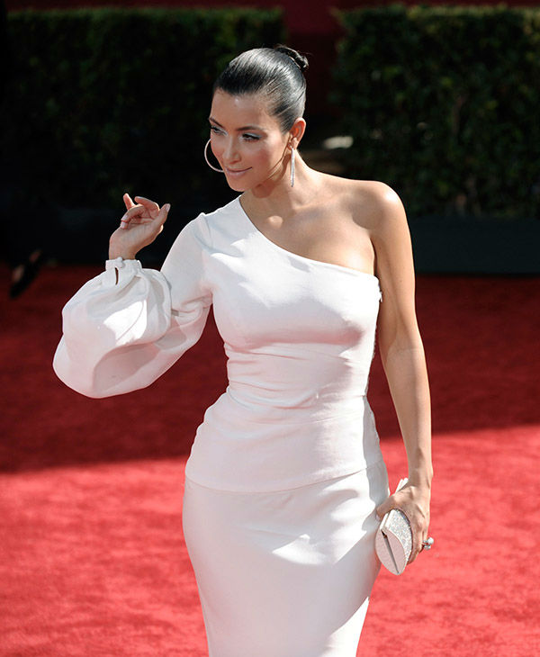"<div class=""meta image-caption""><div class=""origin-logo origin-image none""><span>none</span></div><span class=""caption-text"">Kim Kardashian arrives at the 61st Primetime Emmy Awards on Sunday, Sept. 20, 2009, in Los Angeles. (AP)</span></div>"