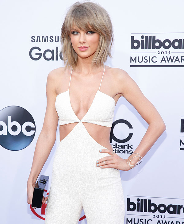 "<div class=""meta image-caption""><div class=""origin-logo origin-image ap""><span>AP</span></div><span class=""caption-text"">Taylor Swift arrives at the Billboard Music Awards at the MGM Grand Garden Arena on Sunday, May 17, 2015, in Las Vegas.  (AP)</span></div>"