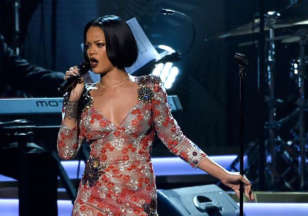 <div class='meta'><div class='origin-logo' data-origin='none'></div><span class='caption-text' data-credit='Chris Pizzello/Invision/AP'>Rihanna will perform.</span></div>