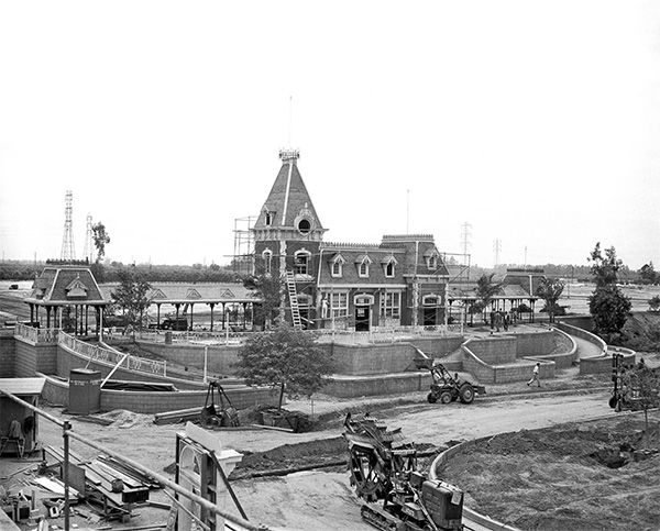 <div class='meta'><div class='origin-logo' data-origin='none'></div><span class='caption-text' data-credit='Disneyland Resort/ABC News'>Progress continues on the construction of Main Street Station. It is the popular starting point of the &#34;Grand Circle Tour&#34; of the Disneyland Railroad.</span></div>