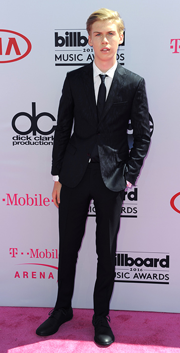 "<div class=""meta image-caption""><div class=""origin-logo origin-image ap""><span>AP</span></div><span class=""caption-text"">Aidan Alexander arrives at the Billboard Music Awards at the T-Mobile Arena on Sunday, May 22, 2016, in Las Vegas. (Richard Shotwell/Invision/AP)</span></div>"