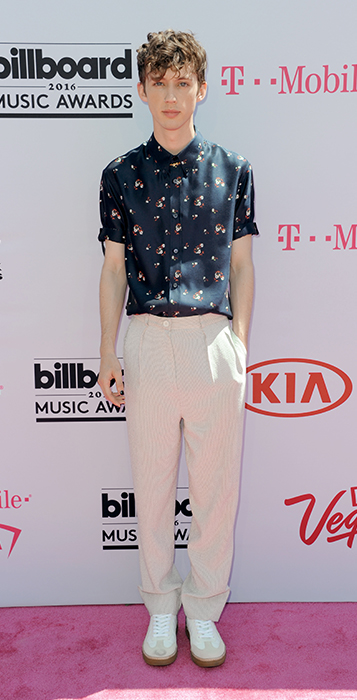 "<div class=""meta image-caption""><div class=""origin-logo origin-image ap""><span>AP</span></div><span class=""caption-text"">Troye Sivan arrives at the Billboard Music Awards at the T-Mobile Arena on Sunday, May 22, 2016, in Las Vegas. (Richard Shotwell/Invision/AP)</span></div>"