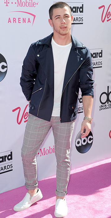 "<div class=""meta image-caption""><div class=""origin-logo origin-image ap""><span>AP</span></div><span class=""caption-text"">Nick Jonas arrives at the Billboard Music Awards at the T-Mobile Arena on Sunday, May 22, 2016, in Las Vegas. (Richard Shotwell/Invision/AP)</span></div>"