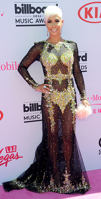 "<div class=""meta image-caption""><div class=""origin-logo origin-image ap""><span>AP</span></div><span class=""caption-text"">Sibley Scoles arrives at the Billboard Music Awards at the T-Mobile Arena on Sunday, May 22, 2016, in Las Vegas. (Richard Shotwell/Invision/AP)</span></div>"