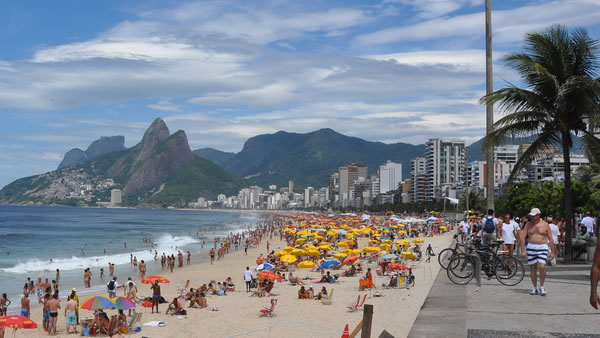 Ipanema Beach: This is the famous beach in Rio de Janeiro that inspired the classic song &#39;The Girl from Ipanema,&#39;  a beach so beautiful people applaud to the sunset in the summer. <span class=meta>(over_kind_man&#47;Flickr)</span>