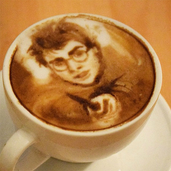 COFFEE LOVE: Unbelievable Portraits Drawn In Latte Foam