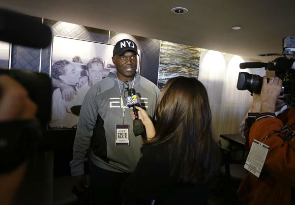 """<div class=""""meta image-caption""""><div class=""""origin-logo origin-image none""""><span>none</span></div><span class=""""caption-text"""">New York Jets coach Todd Bowles responds to questions before the """"True Blue"""" benefit celebrity softball game at Yankee Stadium (AP Photo/ Frank Franklin II)</span></div>"""