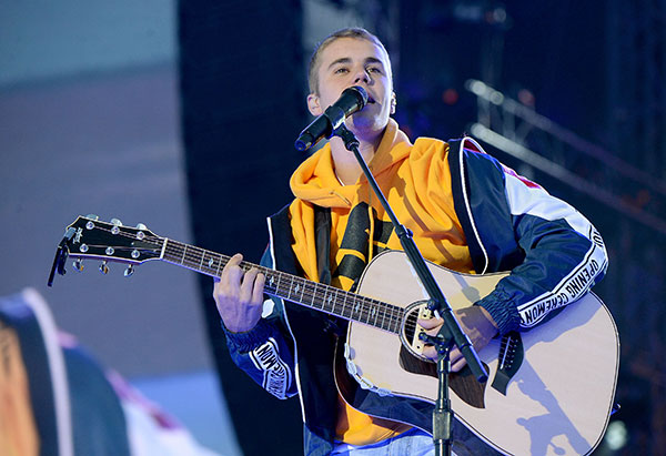 "<div class=""meta image-caption""><div class=""origin-logo origin-image none""><span>none</span></div><span class=""caption-text"">Justin Bieber performs on stage during the One Love Manchester Benefit Concert at Old Trafford Cricket Ground on June 4, 2017 in Manchester, England. (Kevin Mazur/One Love Manchester/Getty Images for One Love Manchester)</span></div>"