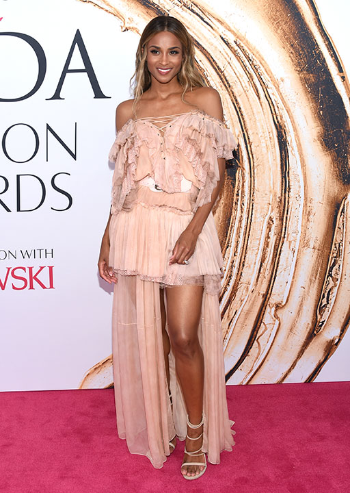 "<div class=""meta image-caption""><div class=""origin-logo origin-image wpvi""><span>wpvi</span></div><span class=""caption-text"">Ciara arrives at the CFDA Fashion Awards on Monday, June 6, 2016, in New York. (Evan Agostini/Invision/AP)</span></div>"
