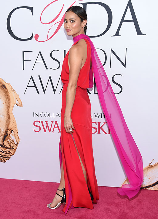 "<div class=""meta image-caption""><div class=""origin-logo origin-image kabc""><span>kabc</span></div><span class=""caption-text"">Jamie Chung arrives at the CFDA Fashion Awards on Monday, June 6, 2016, in New York. (Evan Agostini/Invision/AP)</span></div>"