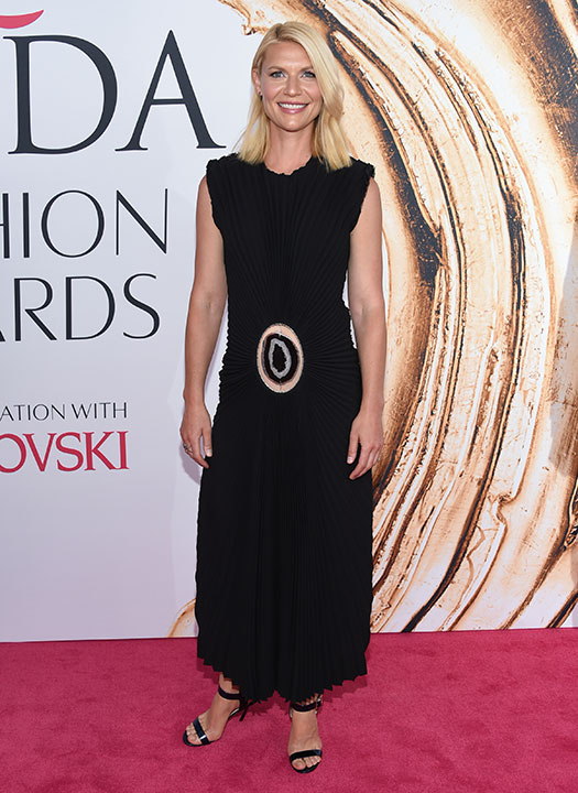"<div class=""meta image-caption""><div class=""origin-logo origin-image wpvi""><span>wpvi</span></div><span class=""caption-text"">Claire Danes arrives at the CFDA Fashion Awards on Monday, June 6, 2016, in New York. (Evan Agostini/Invision/AP)</span></div>"