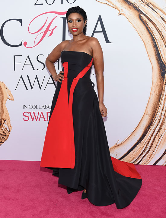 "<div class=""meta image-caption""><div class=""origin-logo origin-image kabc""><span>kabc</span></div><span class=""caption-text"">Jennifer Hudson arrives at the CFDA Fashion Awards on Monday, June 6, 2016, in New York. (Evan Agostini/Invision/AP)</span></div>"