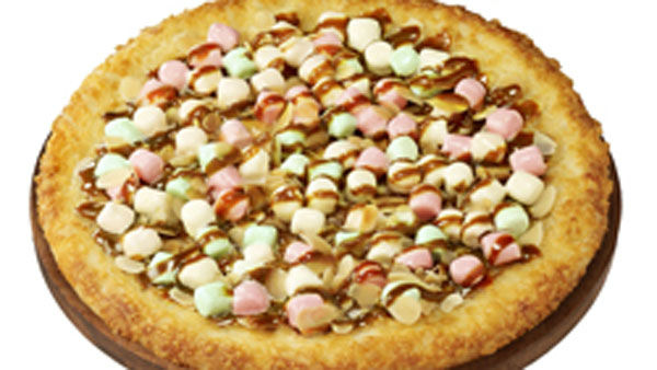 Caramel and marshmallow pizza, for when you just finished a pizza cake and need dessert <span class=meta>(Pizza Hut Japan)</span>