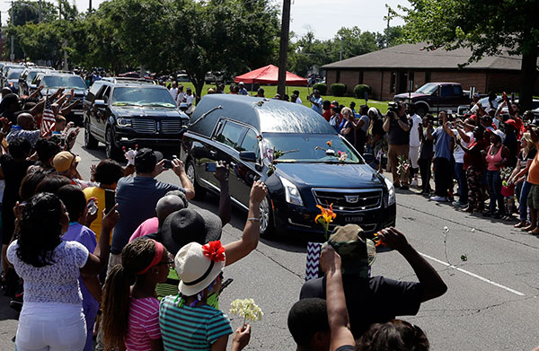 "<div class=""meta image-caption""><div class=""origin-logo origin-image none""><span>none</span></div><span class=""caption-text"">The funeral procession for Muhammad Ali makes its way down Muhammad Ali Boulevard in Louisville, Ky. Friday, June 10, 2016. (Michael Conroy/AP Photo)</span></div>"