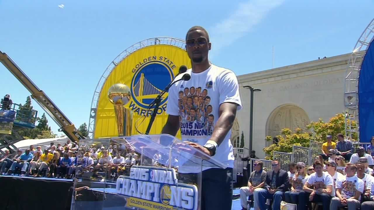 "<div class=""meta image-caption""><div class=""origin-logo origin-image none""><span>none</span></div><span class=""caption-text"">Warriors' Harrison Barnes takes the stage at the rally celebration the team's big win outside Oakland's Kaiser Convention Center on Friday, June 19, 2015. (KGO-TV)</span></div>"