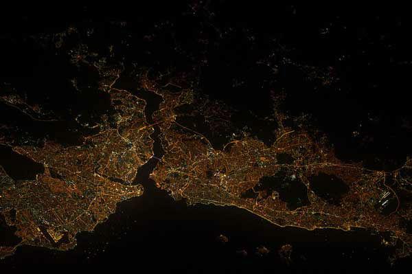 "<div class=""meta ""><span class=""caption-text "">Istanbul, Turkey</span></div>"