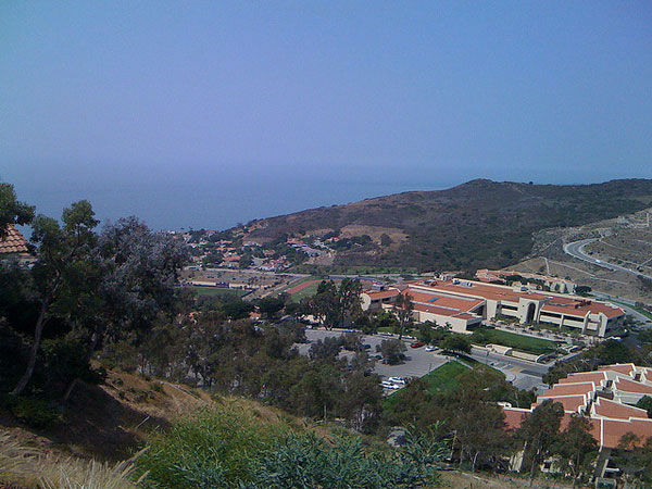 "<div class=""meta ""><span class=""caption-text "">2. Pepperdine University, in Malibu, Calif. (Flickr, Chen Yang)</span></div>"