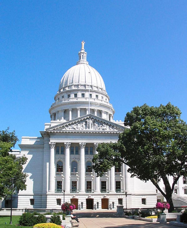 "<div class=""meta image-caption""><div class=""origin-logo origin-image ""><span></span></div><span class=""caption-text"">3. Madison, Wisconsin. (Wikimedia Commons)</span></div>"