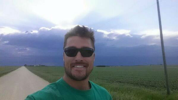 "<div class=""meta ""><span class=""caption-text "">This Iowa farmer will now have his turn to make the calls. (Twitter, Chris Soules)</span></div>"