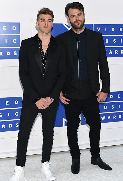 "<div class=""meta image-caption""><div class=""origin-logo origin-image ap""><span>AP</span></div><span class=""caption-text"">Andrew Taggart, left, and Alex Pall of The Chainsmokers arrive at the MTV Video Music Awards at Madison Square Garden on Sunday, Aug. 28, 2016, in New York. (Evan Agostini/Invision/AP)</span></div>"