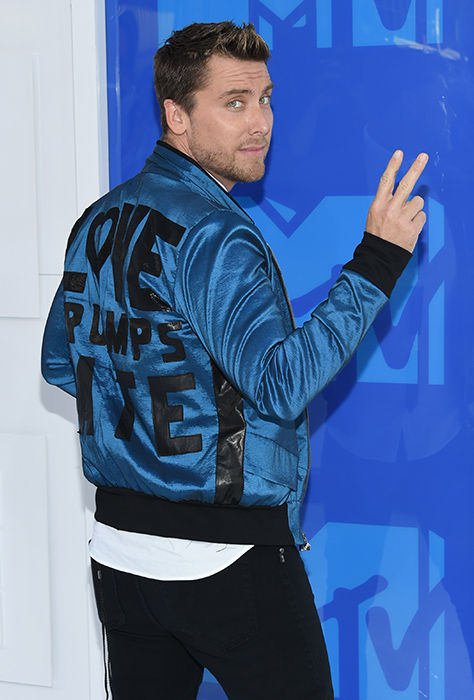 "<div class=""meta image-caption""><div class=""origin-logo origin-image ap""><span>AP</span></div><span class=""caption-text"">Lance Bass arrives at the MTV Video Music Awards at Madison Square Garden on Sunday, Aug. 28, 2016, in New York. (Evan Agostini/Invision/AP)</span></div>"