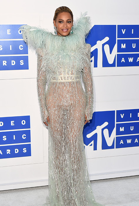 "<div class=""meta image-caption""><div class=""origin-logo origin-image ap""><span>AP</span></div><span class=""caption-text"">Beyonce arrives at the MTV Video Music Awards at Madison Square Garden on Sunday, Aug. 28, 2016, in New York. (Evan Agostini/Invision/AP)</span></div>"