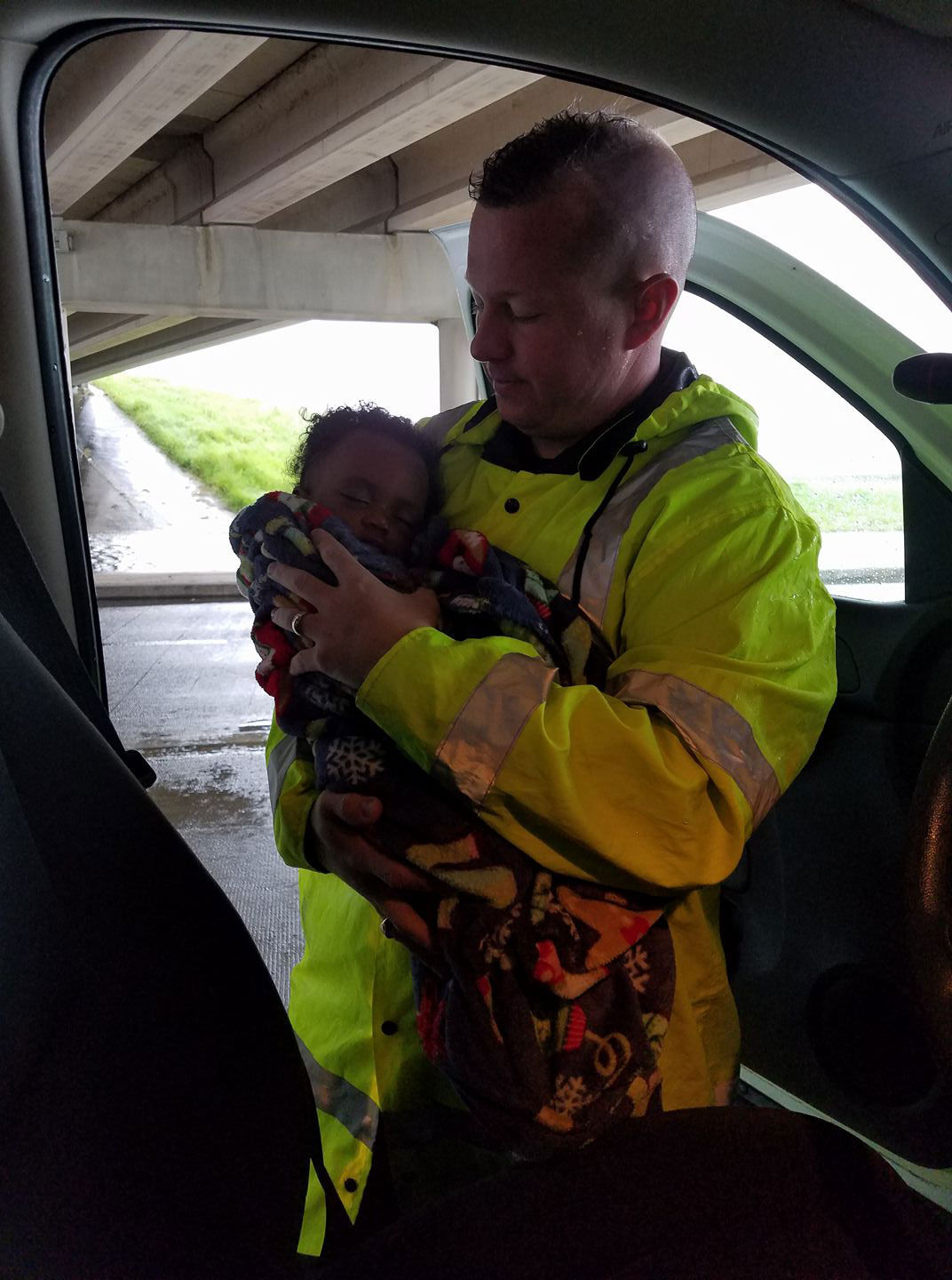 "<div class=""meta image-caption""><div class=""origin-logo origin-image none""><span>none</span></div><span class=""caption-text"">Harris County Constable Pct. 2 Christopher E. Diaz posted this photo searching for the mother of the baby found in Houston. They have since been reunited. (Constable Christopher Diaz)</span></div>"