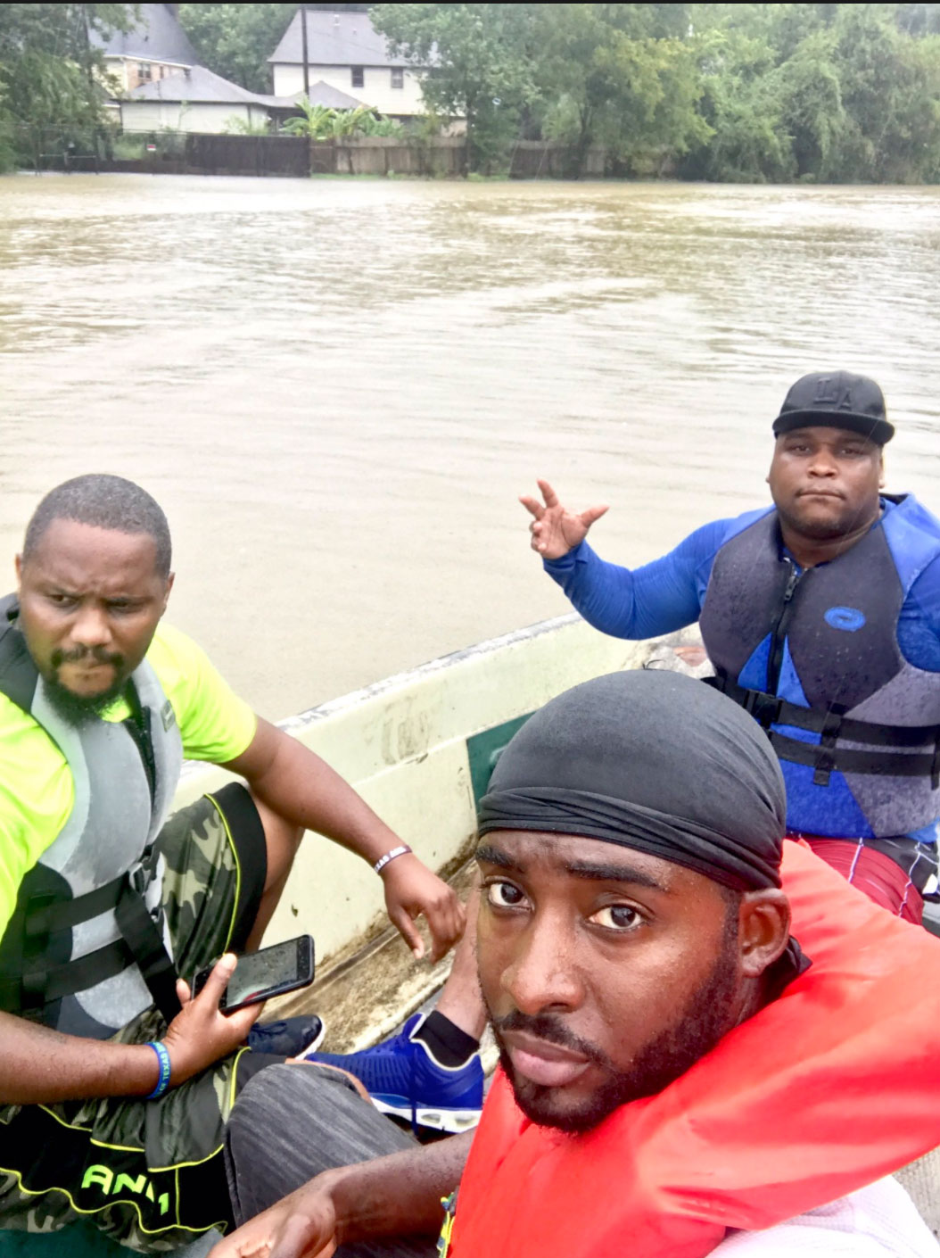 "<div class=""meta image-caption""><div class=""origin-logo origin-image none""><span>none</span></div><span class=""caption-text"">Citizen rescuers in Houston on Tuesday captured these photos. (Larry Brown/Twitter)</span></div>"
