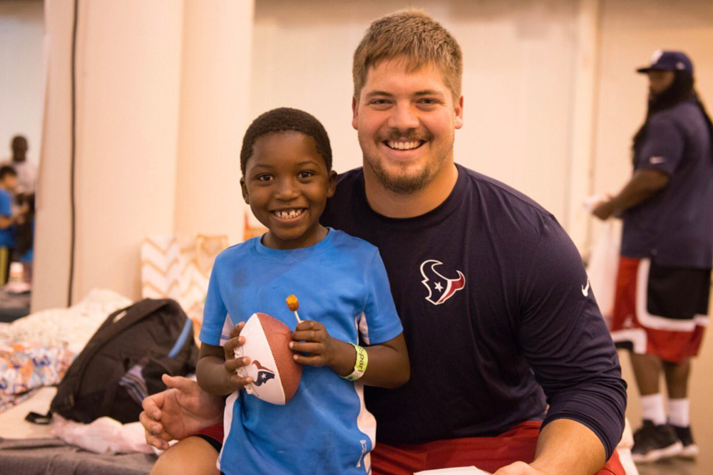 "<div class=""meta image-caption""><div class=""origin-logo origin-image none""><span>none</span></div><span class=""caption-text"">Center Greg Mancz at a Hurricane Harvey shelter at NRG Center. (HoustonTexans/Twitter)</span></div>"