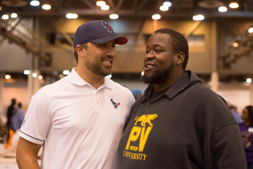 "<div class=""meta image-caption""><div class=""origin-logo origin-image none""><span>none</span></div><span class=""caption-text"">Quarterback Tom Savage at a Hurricane Harvey shelter at NRG Center. (HoustonTexans/Twitter)</span></div>"