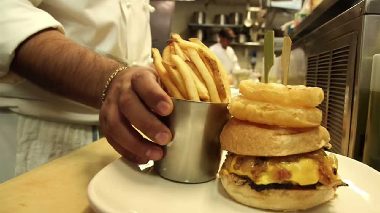 What makes a good burger? Zagat&#39;s users weighed in, then ranked the top 10 in major US cities. Here are highlights of the winners in their respective cities. <span class=meta>(YouTube, Zagat)</span>